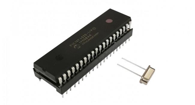 PIC18F4520 + 40 Pin Socket + 16MHz Crystal